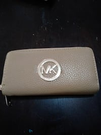 beige Michael Kors leather zip bag Hartford, 06114