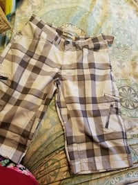 brown and white plaid cargo shorts Bakersfield, 93307