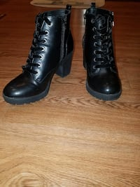 pair of black leather round-toe chunky-heeled ankle boots Grand Rapids, 55744