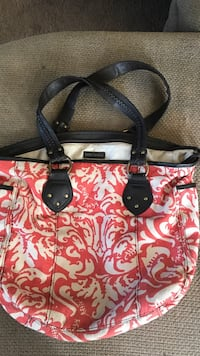 red and white floral leather tote bag Wheatland, 95692