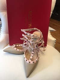 Valentino shoes  Mississauga, L5W 1P4