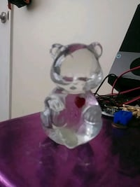 Glass bear w/ heart figurine Hemet