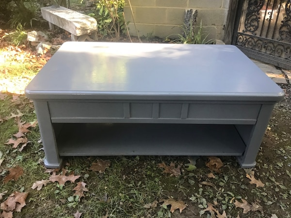 Gray lift-top coffee table