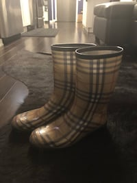 Authentic Gently-Used Burberry Boots , Made in Italy Toronto, M6S 5B6