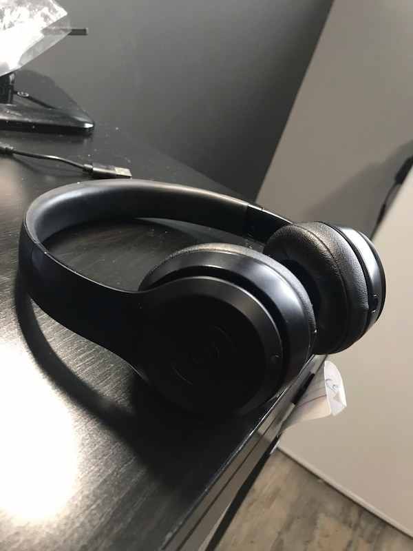 Beats solo 3 wireless headphones 2