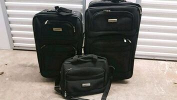 Great 3 piece luggage set