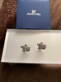 Swarovski polar bear tack pin Hunt Valley, 21031