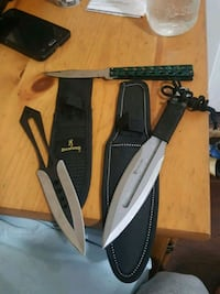 2 throwing knives  Surrey, V3V 4Y8