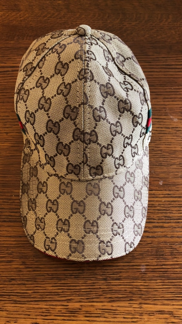ccbf1aeb3ee635 Used white and black monogrammed Gucci cap for sale in Hayward - letgo