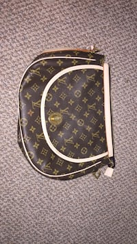 black and brown Louis Vuitton leather handbag Kelowna, V1W