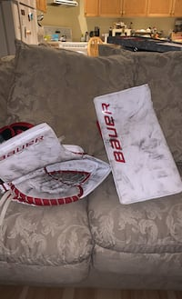 Glove and blocker used one season Brampton, L6Z 4V3