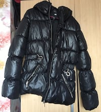 H&M Black Zip-Up Bubble Jacket Dagenham, RM8 2EB