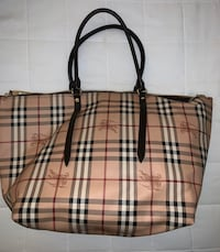 Burberry tote authentic with dust bag Toronto, M8Y 4G9