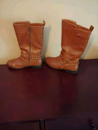 pair of brown leather boots Dutchess County