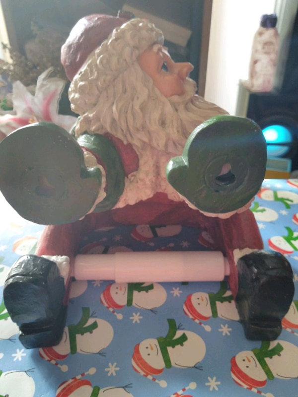 Brand new Santa Claus toilet paper holder 1