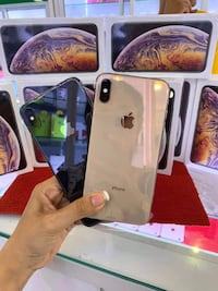 IPhone XS MAX unlocked for all carriers and 512GB