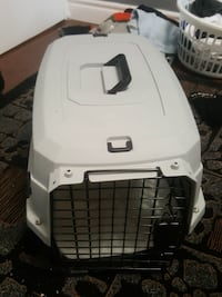 White portable pet crate Toronto, M2J 3T1