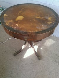 brown wooden round table with wood base Bloomfield, 07003