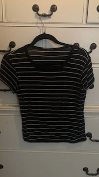 black and white stripe crew-neck shirt Mississauga, L5H 3H6