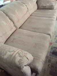 Hide a bed couch - with floral fabric  Visalia, 93277