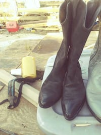 size 9 and 1/2 western boots
