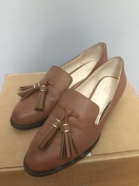 Pair of brown leather loafers Toronto, M9A