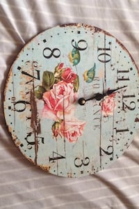 white and red analog wall clock Laval, H7N 5J3