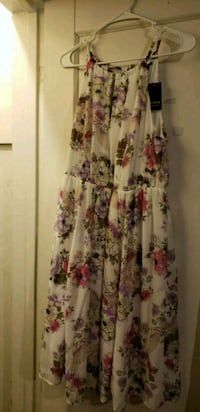 white and pink floral sleeveless dress Stockton, 95206