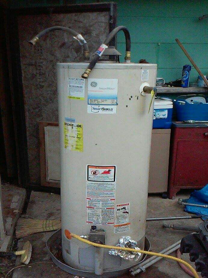 Used Gas 40 Gallon hot water heater in Arlington