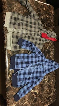 Boys size 5 sweaters 4 items Visalia, 93277