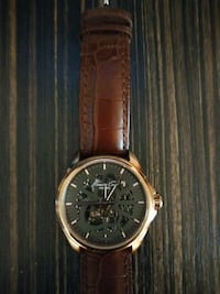 round gold chronograph watch with brown leather st Gardena, 90249
