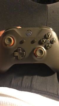 black Xbox One game controller New Orleans, 70126