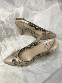 Leather blush pink heels in size 39 (8) Burnaby, V5E 2H7