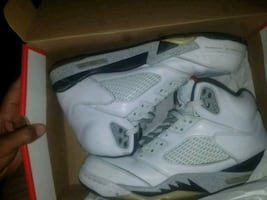Fire red 5s Jordans white red and black size 10 we'll good condition