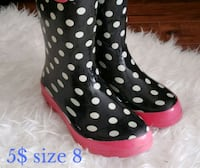 pair of black-and-white rain boots King City, L7B 1K4
