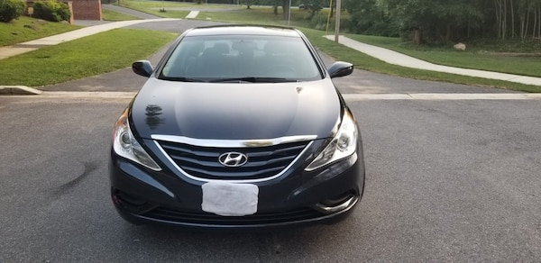 Hyundai - Sonata - 2013 like brand new low mileage!!