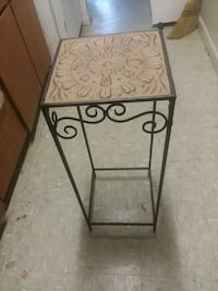 Really nice metal plant stand Knoxville, 37919