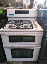 Gas stove and Electric oven White  double oven jenn-Air