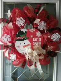 Let it snow wreath... New.  Makes a Perfect winter wreath.