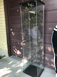 black and clear glass display cabinet Renton, 98058
