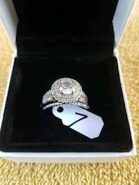 Gorgeous  sterling  silver  wedding set  Whitby, L1N 8X2