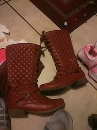 Woman's boots size 7/8 brown leather Merritt Island, 32953