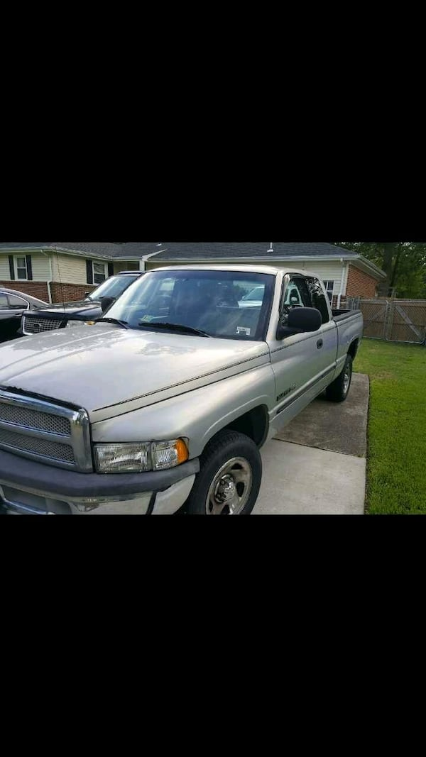 2000 dodge 1500 lariat pickup obo has to go asap ef017a99-5199-4382-a75d-91921a2616b9