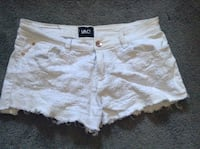 White shorts no stains  Zanesville, 43701