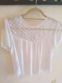 Abercrombie & Fitch small white top St. Augustine, 32080
