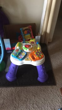 toddler's white and purple activity table Mc Lean, 22102