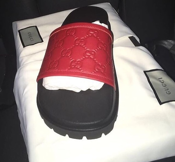 7caf1006816256 Used unpaired red and black gucci slide on slippers for sale in Houston -  letgo