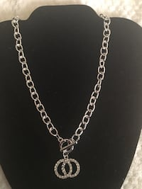Silver chain link necklace with pendant East Hartford, 06118