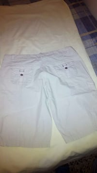 shorts blancos Cheste, 46380