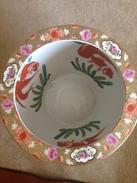white and red ceramic plate Triangle, 22172